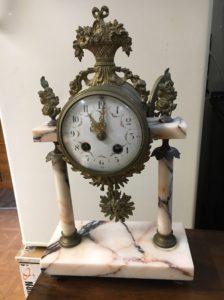 naprawa antycznych zegarów