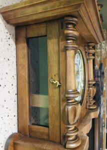 naprawa starego zegara